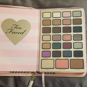 COLLECTOR Too Faced Boss Lady Beauty Agenda